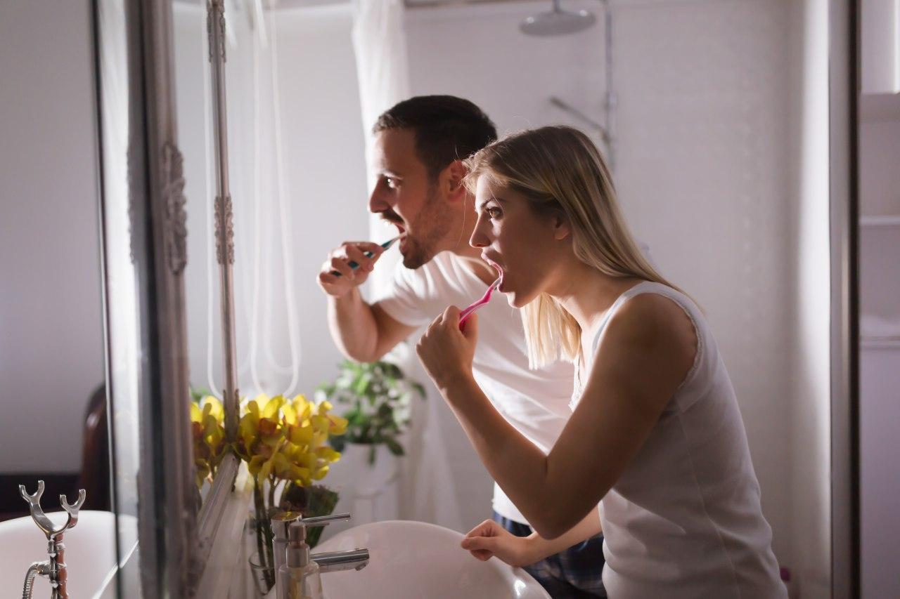 Регулярна профілактика ротової порожнини зберігає Ваше здоров'я та кошти!